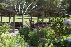 heidi-sculpture-garden